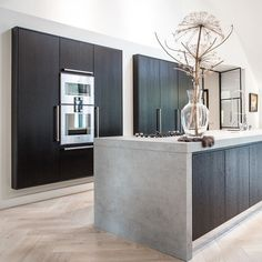 How To Incorporate Contemporary Style Kitchen Designs In Your Home Kitchen On A Budget, Home Decor Kitchen, Home Kitchens, Modern Kitchen Design, Interior Design Kitchen, Küchen Design, House Design, Cuisines Design, Interior Inspiration