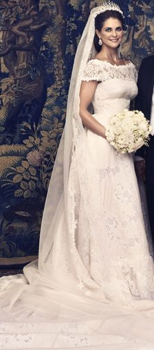 In my opinion the most beautiful royal bride since Grace Kelly - Princess Madeleine of Sweden wearing Valentino.