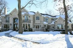 A Sprawling Traditional Home In Oak Brook #DreamHome