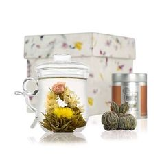 Normal_flowering-tea-glass-mug-set