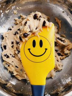Make this delicious cookie dough I Love Food, Good Food, Yummy Food, Junk Food, Café Chocolate, Food Goals, Mellow Yellow, Aesthetic Food, Food Cravings