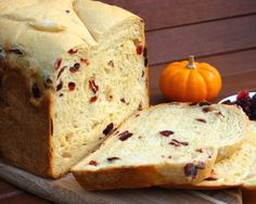 Slightly sweet Orange Cranberry Bread marries citrus/tart flavors in a bread perfect for your morning toast or a decadent French Toast treat! Scones, Croissants, Bread Maker Recipes, Cranberry Bread, Cranberry Orange Bread Machine Recipe, Bread Bun, Yeast Bread, Vegan Bread, Vegan Butter