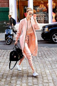 Gigi Hadid - Pink outfit