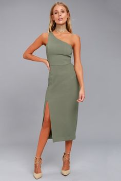 Don't let missing out on this dress haunt you! The Finders Keepers Haunted Olive Green One-Shoulder Midi Dress is shaped from gauzy, woven poly. Blue Lace Midi Dress, Dress Up, Olive Green Dresses, Olive Dress, Robes Midi, Dress The Population, Costume, Cute Dresses, Midi Dresses