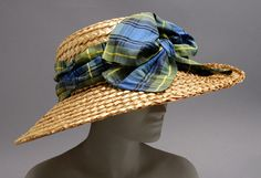 Summer Hat Made Of Braided Straw And Silk Ribbon - America   c.1909   -   The Philadelphia Museum of Art