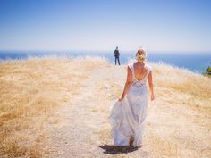 Sherry & Sean's First looks at Mount Tamalpais. Stay tuned to see more of this beautiful moment.  #firstlook #sanfranciscoweddingphotographer #love #art #sanfranciscoweddingphotography #weddingphotography #beauty  #weddingphotographers #style #life  #like #bayareaweddingphotographers #weddings #bayareaweddings #instagood #cute  #apollofotografie #loveisthekey #californiaweddings #follow #photooftheday #bayareaweddings #instadaily #happy #beautiful #trending  #picoftheday # #stylemepretty…