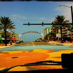 Voilà enfin, le véritable point de départ de notre Road Trip en Westfalia... Daytona Beach, Florida!