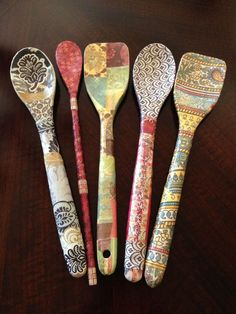 Wooden Spoon Crafts, Diy Resin Crafts, Diy Arts And Crafts, Decor Crafts, Spoon Art, Wood Spoon, Painted Spoons, Ceramic Spoons, Crafts For Seniors