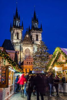 Our guide to all of the Prague Christmas Markets! Locals tips on visiting Christmas Markets in Prague. From the most popular market to some off the beaten path Christmas Markets! Slow Travel, Travel Plan, Travel Info, Budget Travel, Travel Tips, Prague Christmas Market, Visit Prague, Very Merry Christmas, Xmas