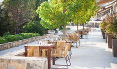 Restorani i barovi Dubrovniku, Hrvatska Split Croatia, Sun Garden, Outdoor Furniture Sets, Outdoor Decor, Dubrovnik, Fine Dining, Restaurant Bar, Restaurants, Gardens