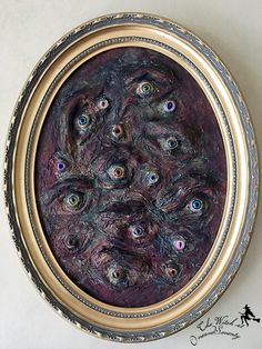 Creepy Eyes - Craft up some cheap and easy creepy artwork for your Halloween or Gothic-inspired gallery wall. But beware Gothic Halloween Decorations, Halloween Party Decor, Holidays Halloween, Halloween Crafts, Halloween Costumes, Halloween Witches, Halloween Spider, Happy Halloween, Scary Haunted House