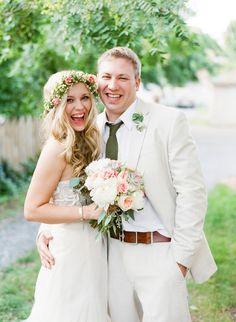 Wedding Photo: Sweet Couple // captured by Katie Stoops Photography via Grey Likes Weddings