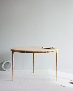 Don't know anything about this but it's a very handsome table.