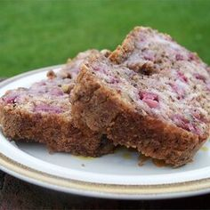 Strawberry Bread Strawberry Bread Recipes, Strawberry Zucchini Bread, Strawberry Tea, Apple Recipes, Cheesecake In A Jar, Quick Bread, Sweet Bread, Baked Goods, Food To Make