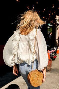 Love this white billowy blouse! - https://www.luxury.guugles.com/love-this-white-billowy-blouse/