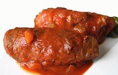 Υλικά: ½ κιλό ρεβίθια βρασμένα 1 φλιτζάνι τριμμένο φουντούκι 1 κρεμμύδι ξερό