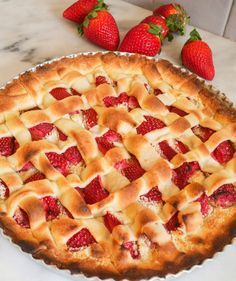 Tarte aux fraises (cuites) et amandes - Powered by @ultimaterecipe Brookies, Sweet Pie, Deserts, Gluten, Vegan, Healthy Recipes, Food, Courses, Alternative