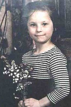 Little Kayla Rolland Shot to death in February 2000 by her 6 year old classmate in Flint Michigan. A boy has an argument with a girl in his class. The next day, he brings a .32-caliber semiautomatic pistol to school and shoots her in the chest. She is pronounced dead at a nearby hospital within an hour.