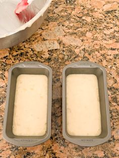 Low-Calorie Banana Bread - Simply Low Cal Low Calorie Banana Bread, Skinny Banana Bread, Moist Banana Bread, Low Calorie Desserts, Low Calorie Recipes, Keto Recipes, Snack Recipes, Dessert Recipes, Unsweetened Applesauce