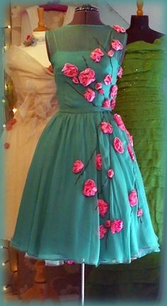 Colourful vintage dress!