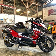 Sedikit demi sedikit lama2 menjadi carbon.. 🤪🤪🤪 • • • • • #yamaha #yamahanmax #nmax #nmaxnation #yamahaxmax #yamahaxmax250 #xmax #xmax250… Yamaha Scooter, Yamaha Nmax, Honda Bikes, Motorcycle Garage, Motorcycle Art, Motorcycle Outfit, Scooter Design, Motorcycle Photography, Custom Bobber