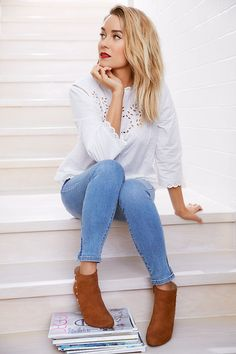 The official site of Lauren Conrad is a VIP Pass. Here you will get insider knowledge on the latest beauty and fashion trends from Lauren Conrad. Mode Outfits, Casual Outfits, Summer Outfits, Fashion Outfits, Womens Fashion, Fashion Trends, Fashion Sale, Paris Fashion, Fashion Fashion