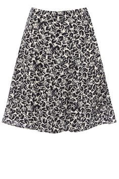 Nothing says summer quite like an easy breezy skater skirt and we love the flippy shape and quirky print on this number. The piece features a high waistline and a leaf print across the fabric.