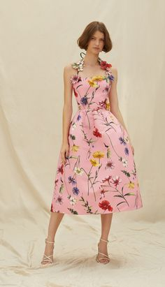 Summer Fashion Trends, Spring Fashion, Fashion Show, Fashion Outfits, Daily Fashion, Women's Fashion, Full Midi Skirt, Dress Skirt, Haute Couture Dresses