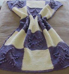 Babydecke gehäkelt kuschelweich und warm in winterweis und lila Burlap, Reusable Tote Bags, Etsy, Lilac, Checkerboard Pattern, Winter White, Kids Wagon, Hessian Fabric