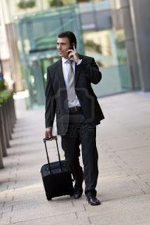 hombre con maleta - Buscar con Google