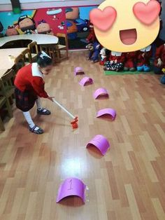 30 Motor Coordination Activities - Part 2 - Early Childhood Education - Aluno On - preschool Gross Motor Activities, Gross Motor Skills, Indoor Activities, Toddler Activities, Learning Activities, Preschool Activities, Indoor Games, Teaching Math, Fun Games
