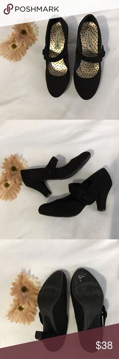 American eagle black shoes American eagle black shoes with button style. Size: 7. 2 inches heels. Excellent condition. *feel free to make a reasonable offer American Eagle Outfitters Shoes Heels