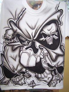 SKULL -T SHIRT -AIRBRUSH by OKAMIAIRBRUSH on DeviantArt Tattoo Design Drawings, Skull Tattoo Design, Tattoo Designs, Cool Skull Drawings, Evil Skull Tattoo, Skull Sleeve Tattoos, Skull Stencil, Tattoo Stencils, Airbrush Designs