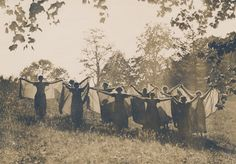 Sweet Briar College May Day, 1914. Sweet Briar College, some rights reserved. CC-BY-NC.