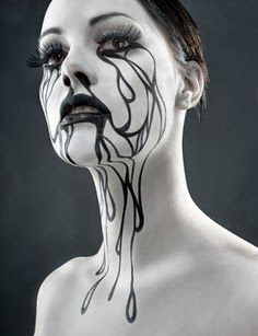 Time For The Holidays: Cool Halloween Makeup