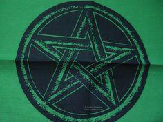 GREEN ATLAR CLOTH WITH BLACK PENTAGRAM 45 x 45cm Wicca Pagan Witch Goth
