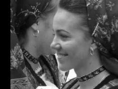 Hori pin casă și Jocuri de învârtit / Songs about the household & Turning couple dances
