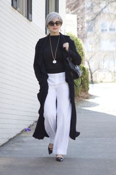 The 25+ best Older women fashion ideas on Pinterest | Fashion over 50,  Fashion for over 50 and Grey hair at 30 #fashionover50 #FashionTrendsForWomenOver50