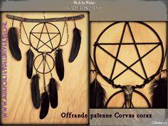 On clôture déjà ce mois sorcier avec dernière thématique. 30 avril : Walpurgisnacht, voici ma création... We, Avril, Voici, Dream Catcher, Creations, Lace Up, Tattoos, Puertas, Jewelery
