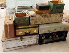 Where to rent vintage suitcases for your wedding decor