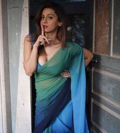 Beautiful Blonde Girl, Beautiful Girl Indian, Most Beautiful Indian Actress, Beautiful Saree, Beautiful Women, Beautiful Models, Beauty Full Girl, Beauty Women, Saree Models