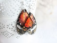 http://sosuperawesome.com/post/165413072262/sosuperawesome-transparent-resin-butterfly-and