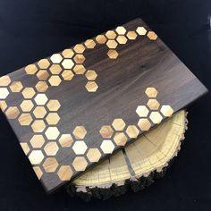 Large Honeycomb inlay Cutting board Walnut & Maple Pattern 2
