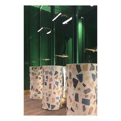 ideas bath room design restaurant sinks for 2019 Ikea Shoe Storage, Sink Design, Design Bathroom, Restaurant Bathroom, Small Bathtub, Appartement Design, Pink Bedrooms, Diy Molding, Apartment Interior Design