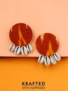 Diy Fabric Jewellery, Handmade Beaded Jewelry, Tassel Jewelry, Textile Jewelry, Handmade Jewelry Designs, Jewelery, Denim Earrings, Fabric Earrings, Tassel Earrings