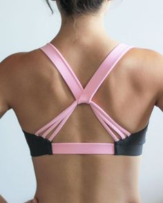 Pink and Grey Lotus sports bra. This sports bra is SO comfortable! Valleau Apparel has such a pretty selection of sports bras and workout clothes. - Sports Bras - Ideas of Sports Bras Sporty Outfits, Athletic Outfits, Athletic Wear, Cute Outfits, Sport Fashion, Fitness Fashion, Fitness Style, Yoga Fashion, Gym Fitness