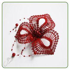 Šperky :: Paličkovaný svet Needle Lace, Bobbin Lace, Lace Jewelry, Jewellery, Types Of Lace, Lace Heart, Lace Making, Lace Detail, Embroidery Designs