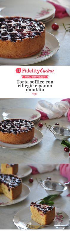 Torta soffice con ciliegie e panna montata