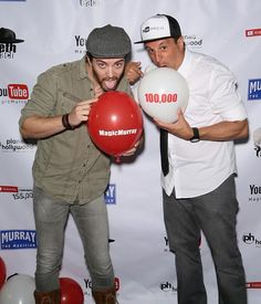 "YouTube expert Seth Leach with magician Douglas ""Lefty"" Leferovich at Murray's 100,000 YouTube Silver Creator Award Party in Las Vegas (Photo credit: Gabe Ginsberg / Getty Images for Murray SawChuck)"