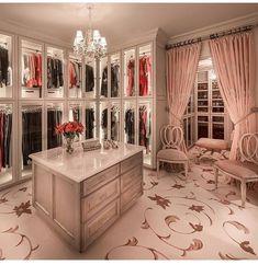 @marta_karvatska #luxurywalkincloset
